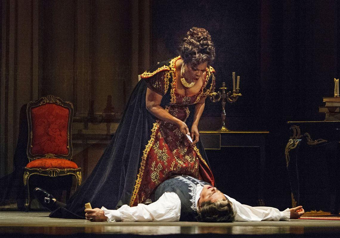 opera-tosca-kills-scarpia-2-6-1532236523